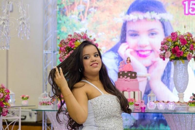 Salão para Debutante Decorado Local Jardim Piratininga - Salão para Debutantes